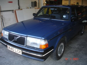 Volvo 240DL estate in nice condition