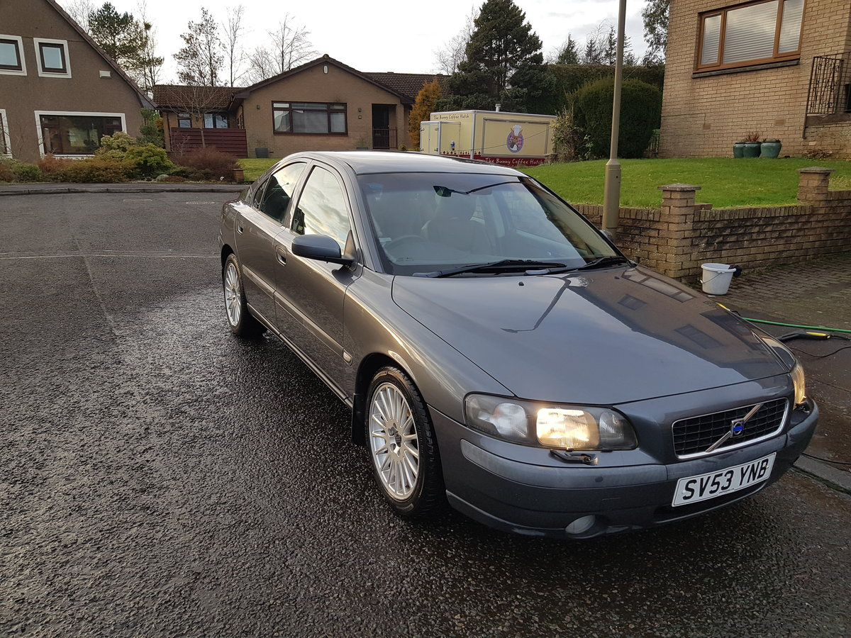 Volvo S60 D5, 2003 Low Miles, Long MOT For Sale (picture 3 of 10)