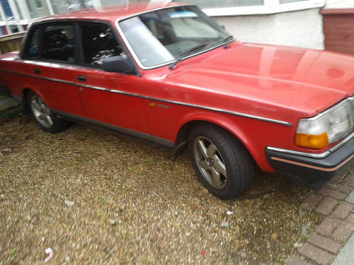 1986 VOLVO 240 GL SALOON MANUAL 5 SPEED £595 SOLD SOLD | Car