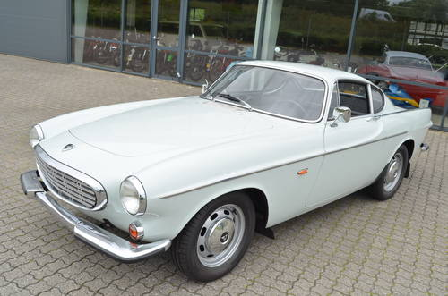 1967 Volvo P1800S SOLD (picture 1 of 6)