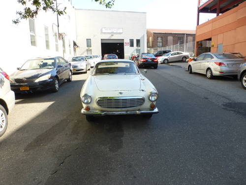 1969 Volvo P1800S Runs Drives Needs Restoration - SOLD (picture 2 of 6)