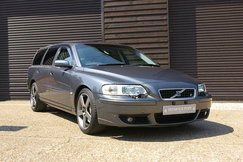 2005 Volvo V70 2.5 R AWD 5dr Automatic Estate (35,463 miles) SOLD (picture 2 of 6)