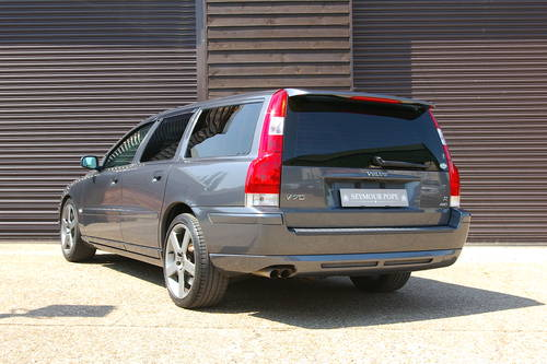 2005 Volvo V70 2.5 R AWD 5dr Automatic Estate (35,463 miles) SOLD (picture 3 of 6)