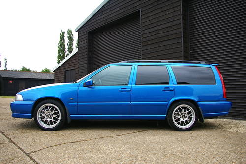 2000 Volvo V70 2.4 R AWD Automatic Estate (43,656 miles) SOLD (picture 1 of 6)
