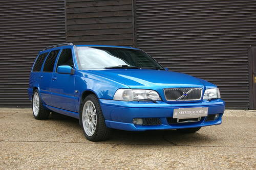 2000 Volvo V70 2.4 R AWD Automatic Estate (43,656 miles) SOLD (picture 2 of 6)