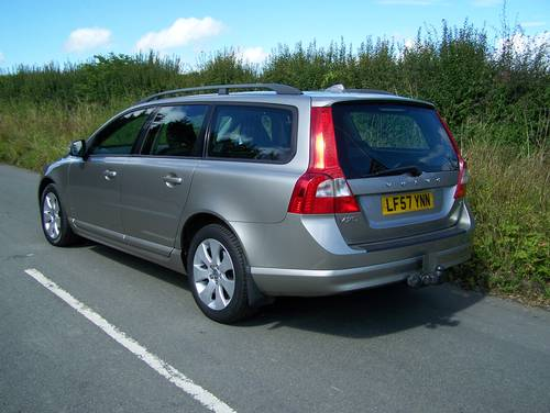 2007 BEAUTIFUL 57-REG VOLVO V70 2.4 SE D5 FULL SERVICE HISTORY    SOLD (picture 2 of 6)