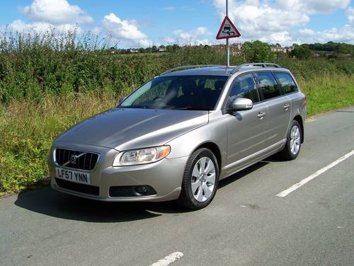 2007 BEAUTIFUL 57-REG VOLVO V70 2.4 SE D5 FULL SERVICE HISTORY    SOLD (picture 3 of 6)