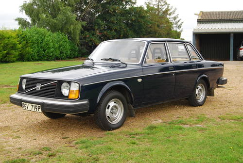 1975 Volvo 244 dl just 27000 miles from new stored 1980-2016 SOLD (picture 1 of 6)