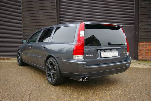 2003 Volvo V70 2.5 R AWD 5dr Automatic Estate (34,004 miles) SOLD (picture 3 of 6)