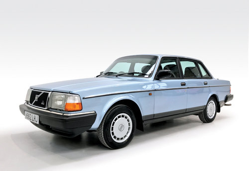 1991 Volvo 240 GL auto stunning, low mileage SOLD (picture 1 of 6)