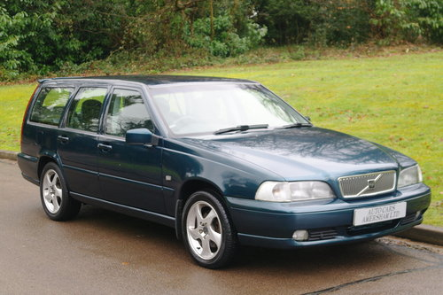 Volvo V70 SE T5. 7 Seats. Good History. Nice Car. Bargain.. SOLD (picture 1 of 6)