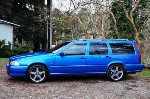 1999 Volvo V70R AWD Lazer Blue,62,477 miles from new SOLD (picture 3 of 6)