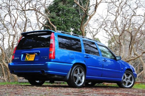 1999 Volvo V70R AWD Lazer Blue,62,477 miles from new SOLD (picture 4 of 6)