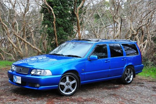 1999 Volvo V70R AWD Lazer Blue,62,477 miles from new SOLD (picture 2 of 6)