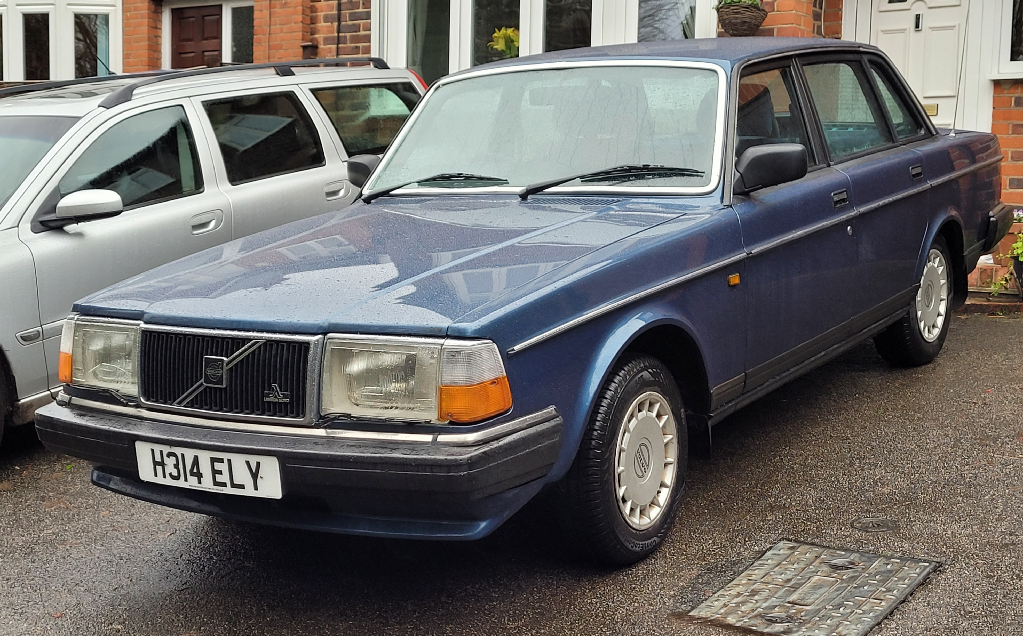 Picture of 1990 Volvo 240 GL 4 Saloon, 69k Miles, Service History MOT 12/21