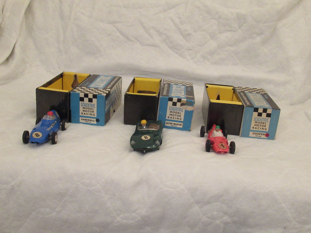VANWALL SCALEXTRIC BLUE circa 1960 For Sale (picture 2 of 4)