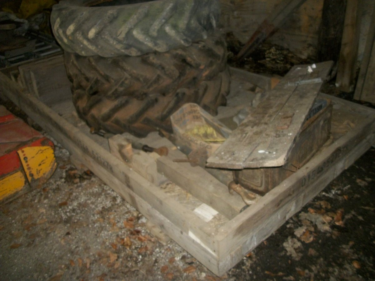 1942 willys  wooden crate base pallet For Sale (picture 2 of 3)