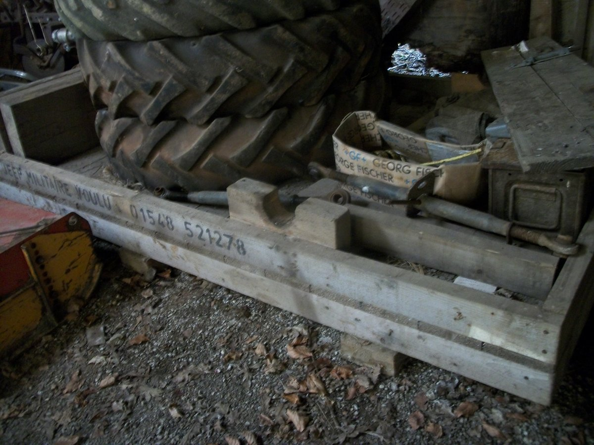 1942 willys  wooden crate base pallet For Sale (picture 3 of 3)