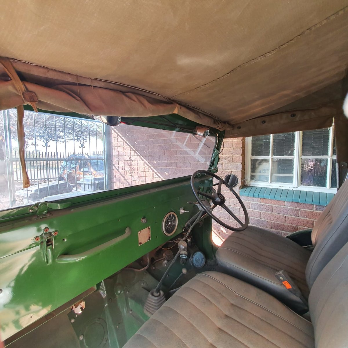 0000 Willy's Kaiser Jeep with front winch For Sale (picture 4 of 9)