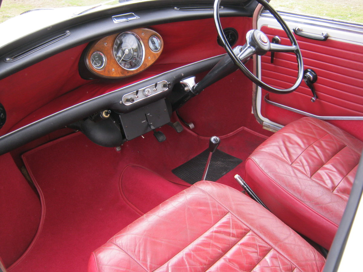 1967 WOLSELEY HORNET. SNOWBERRY WHITE/DAMASK 1 OWNER 47K  SOLD (picture 5 of 6)