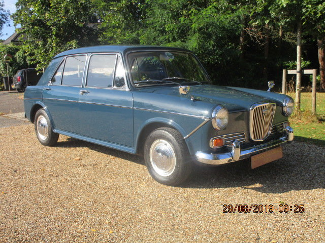 1966 Wolseley 1100 Deluxe (32000 miles from new) SOLD (picture 1 of 6)