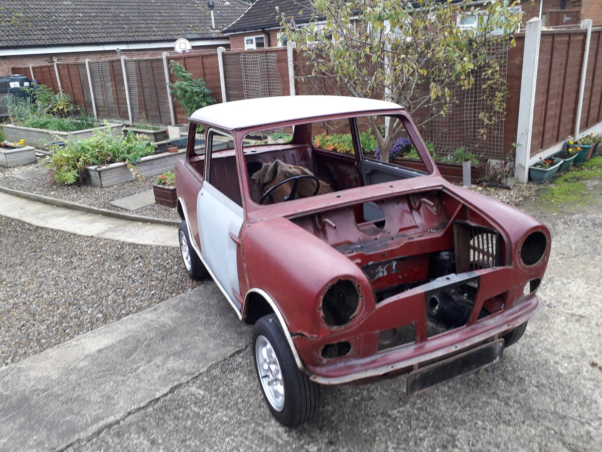 1966 Wolseley Hornet Mk2 rolling shell SOLD (picture 2 of 6)
