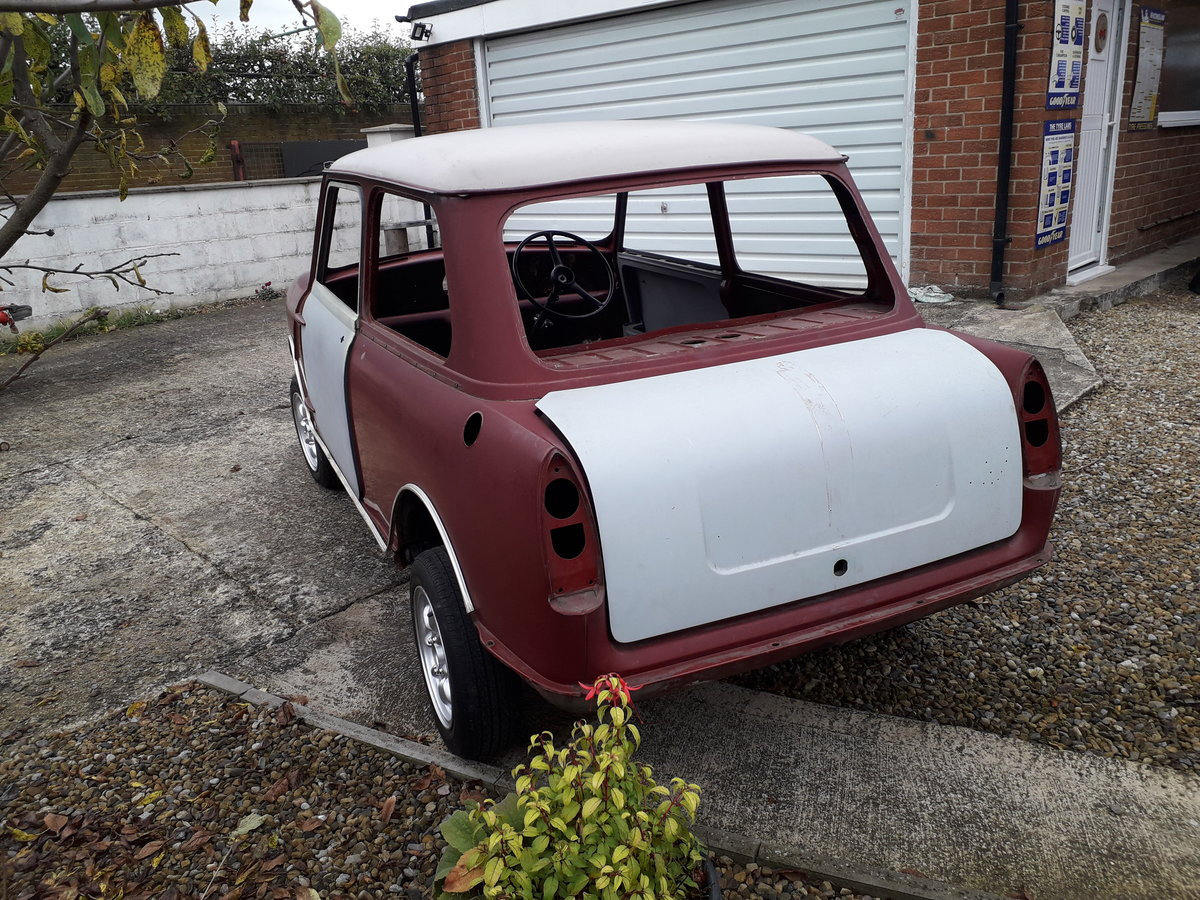 1966 Wolseley Hornet Mk2 rolling shell SOLD (picture 3 of 6)
