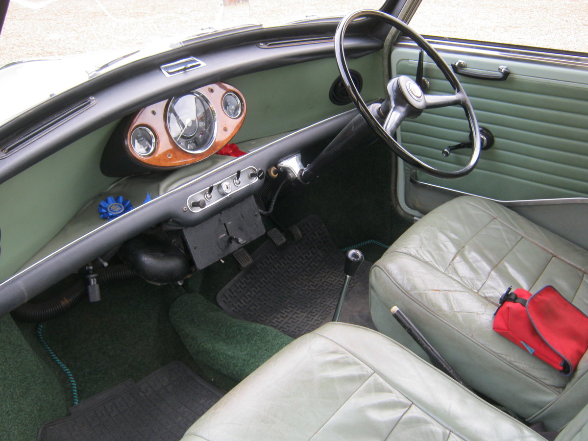 1967 WOLSELEY HORNET Mk3. PORCELAIN GREEN. 67,000 MILES For Sale (picture 5 of 6)