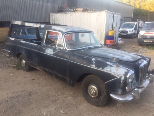 1967 wolseley 6/110 lowline hearse For Sale (picture 1 of 6)