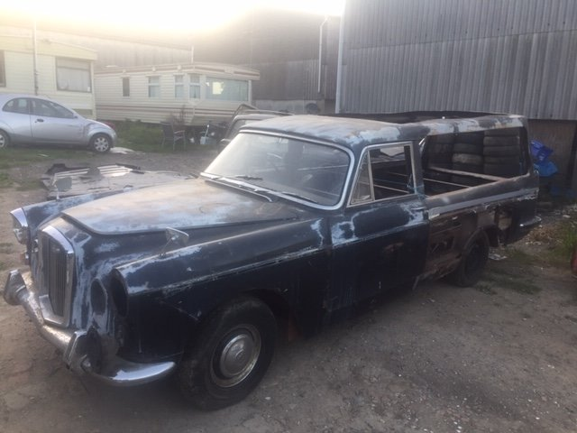 1967 wolseley 6/110 lowline hearse For Sale (picture 2 of 6)