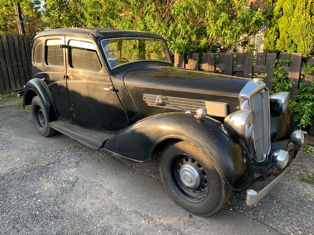 1936 Wolseley 21/6 - Barn Find, Requires Full Restoration SOLD (picture 2 of 8)