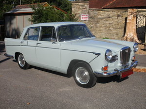 Picture of 1960 Wolseley 15/60 Saloon (Card Payments & Delivery)