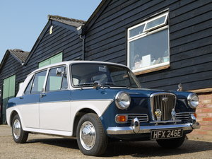 WOLSELEY 1100 - SHOW WINNER WITH COMPREHENSIVE HISTORY !!