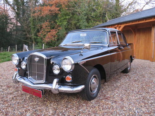 1963 Wolseley 6/110 Auto (Credit/Debit Cards & Delivery) SOLD (picture 2 of 6)