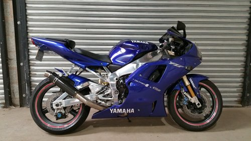 2001 YAMAHA R1 STUNNING MACHINE WITH V5C NICE HISTORY For Sale (picture 1 of 2)