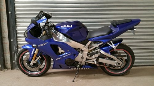 2001 YAMAHA R1 STUNNING MACHINE WITH V5C NICE HISTORY For Sale (picture 2 of 2)