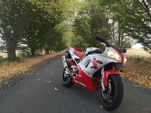 Yamaha YZF-R1 1998 - Earliest Known UK Survivor For Sale (picture 1 of 6)