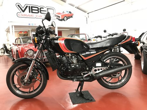 1982 Yamaha RD350 LC -UK 4L0 - SOLD SIMILAR CLASSICS REQUIRED For Sale (picture 2 of 6)
