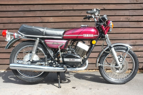 Yamaha RD350 RD 350 1972 runs and rides, ride or restore US  SOLD (picture 1 of 3)