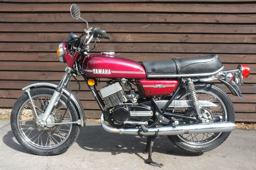 Yamaha RD350 RD 350 1972 runs and rides, ride or restore US  SOLD (picture 2 of 3)