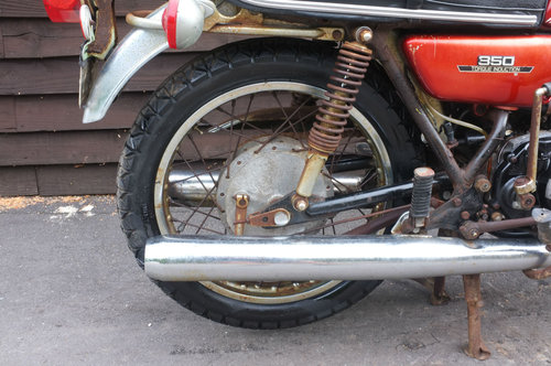 Yamaha RD350 RD 350 1972 1st year model US BARN FIND Winter  SOLD (picture 3 of 6)