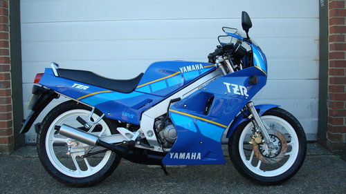 Yamaha TZR 125 1994-M ***2565 MILES!!** SOLD (picture 1 of 6)