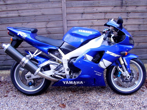 Yamaha YZF-R1 4XV (2 owners, 2200 miles) 1999 T Reg For Sale (picture 1 of 6)