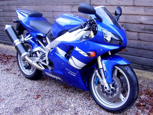 Yamaha YZF-R1 4XV (2 owners, 2200 miles) 1999 T Reg For Sale (picture 2 of 6)