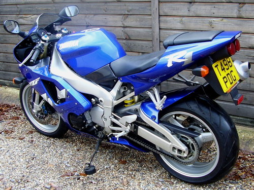 Yamaha YZF-R1 4XV (2 owners, 2200 miles) 1999 T Reg For Sale (picture 3 of 6)