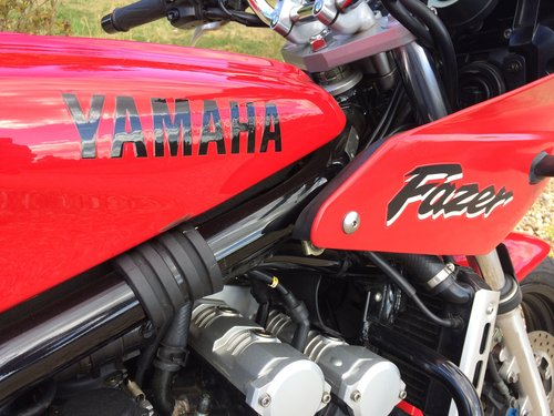 1998 Yamaha FZS600 Fazer 600 just 8,980 miles SOLD (picture 1 of 5)