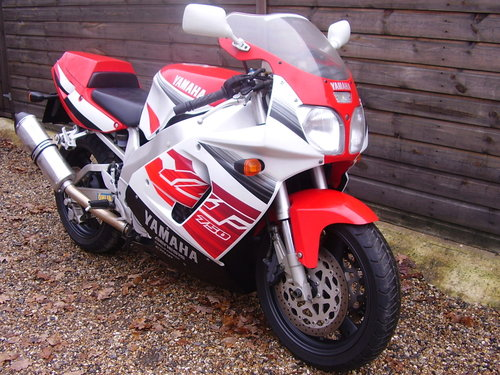 Yamaha YZF 750 R (UK bike, 2 owners, 2800 miles) 1997 R Reg. SOLD (picture 2 of 6)