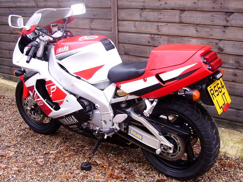 Yamaha YZF 750 R (UK bike, 2 owners, 2800 miles) 1997 R Reg. SOLD (picture 3 of 6)