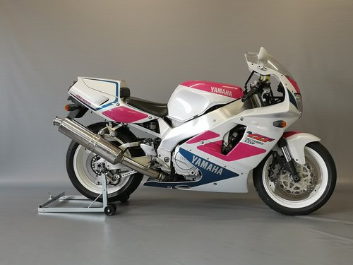 Yamaha YZF 750 R-1993 - full restauration, like new, 1 Owner For Sale (picture 1 of 6)