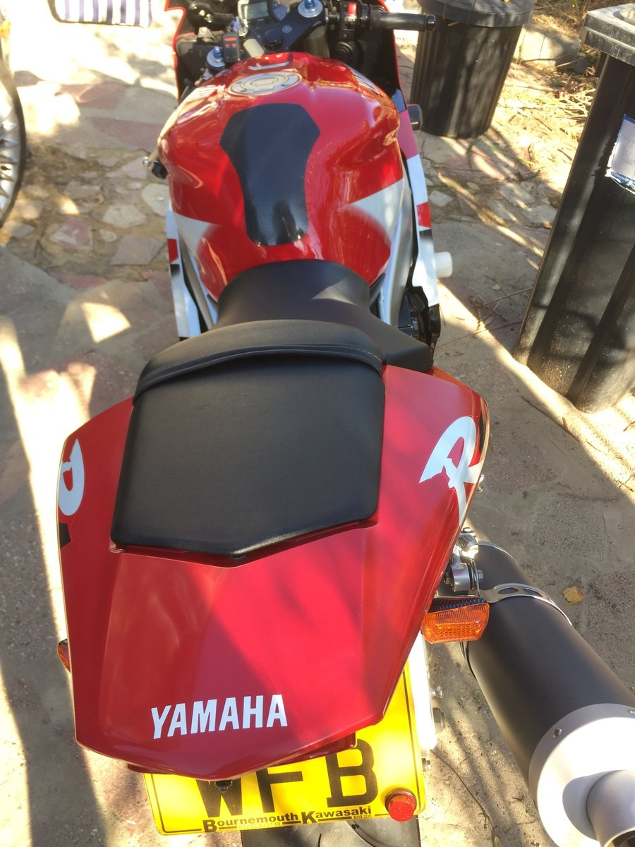 Yamaha R1 2000 For Sale (picture 4 of 6)